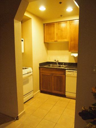 Cancun Resort: Kitchenette - Bigger in Person -full-size appliances