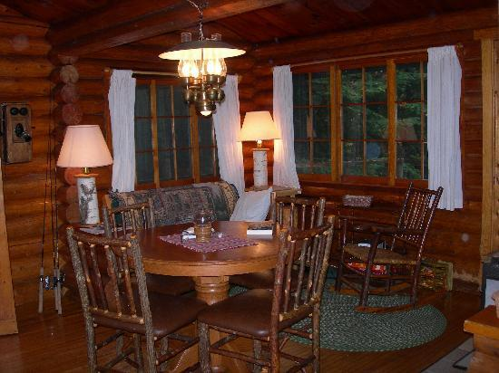 Bearskin Lodge: Interior, Cabin #2