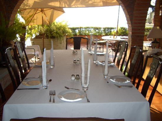 Casa Tres Vidas: Table with a view