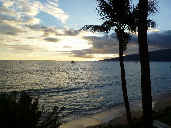 Kihei Beach: Calm waters for swimming