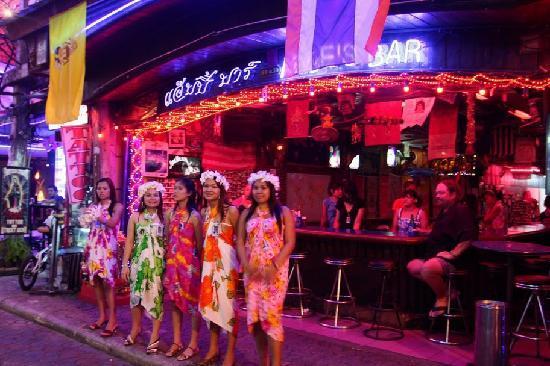 Walking Street Pattaya: Thai Girls