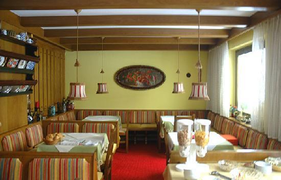 Pension Ria: Breakfast indoor