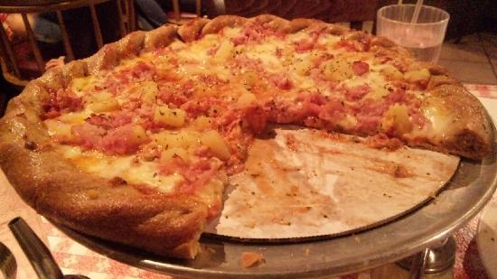 Brick Oven Pizza: Smoked Ham & Pineapple