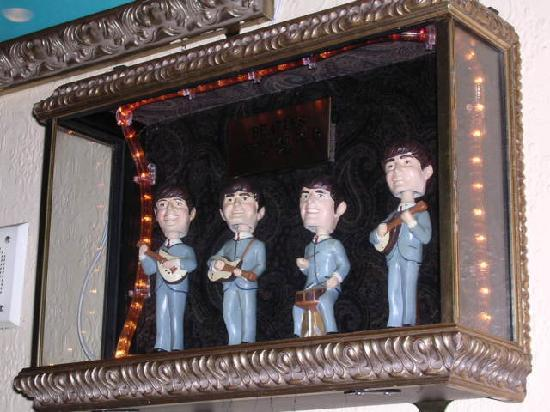 Hard Rock Cafe: Beatle Dolls in Denver HRC