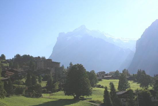 Hotel Belvedere Grindelwald: Hotel Belvedere and Wetterhorn, early morning