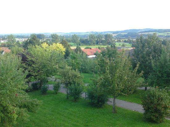 Best Western Aparthotel Birnbachhoehe: Blick Richtung Ort