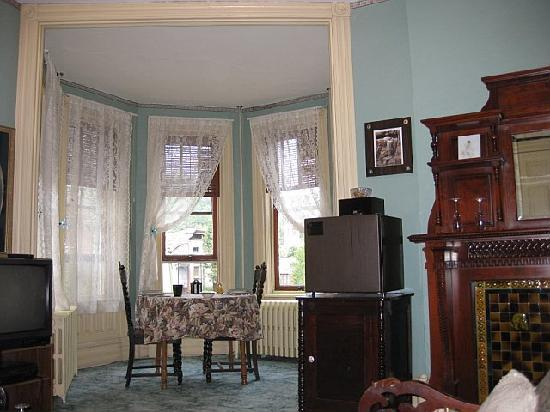 DeFeo's Manor B&B: View of the inside of our room