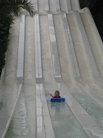 Sunway Lagoon Theme Park : Solo sliding