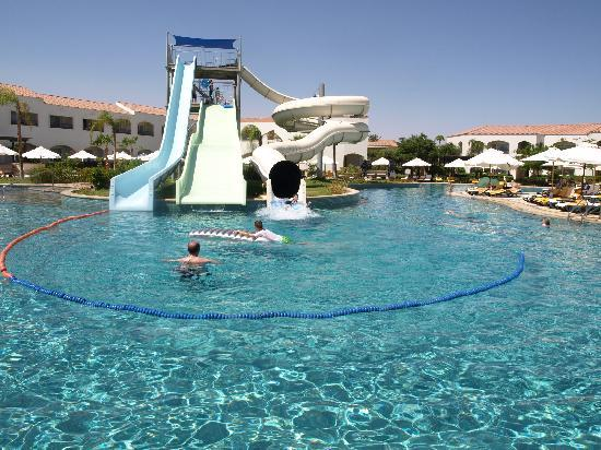 Leisure pool picture of reef oasis blue bay resort - The strand swimming pool gillingham ...