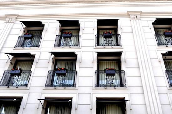Hotel Sainte Jeanne: Sainte Jeanne Hotel Facade