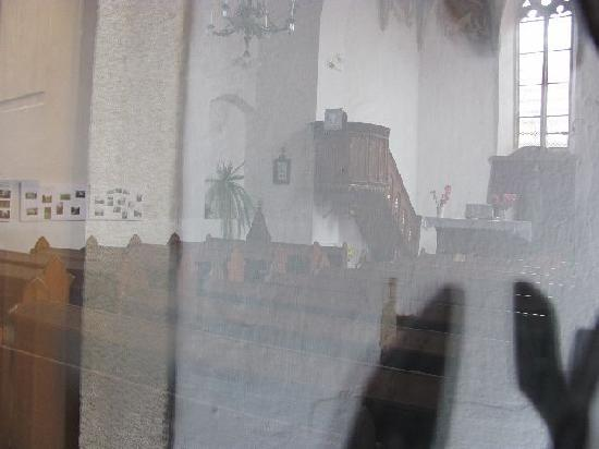 Sv Ducha (Church of the Holy Ghost) : glimps through the glass