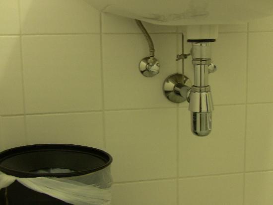 Kolpinghaus Wien-Zentral: Bathroom was clean