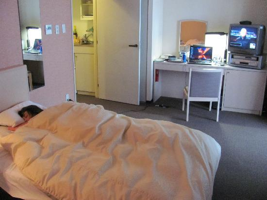 Tokyu Stay Shibuya : beds were very comfy..bring an ethernet cable for your laptop