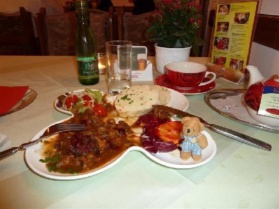 Restaurant Schönbrunner Stöckl: Deer Stew with Plums/Oranges