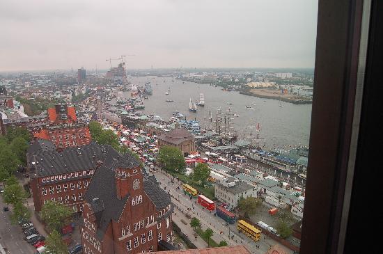 Empire Riverside Hotel: Blick vom Zimmer auf den Hafen