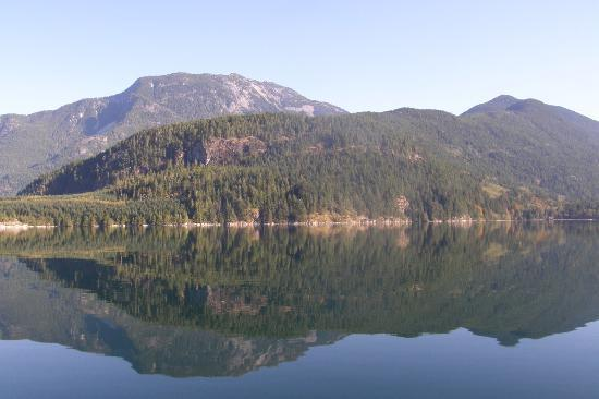 Aboriginal Journeys Wildlife and Adventure Tours: The trip to and from Bute Inlet is beautiful