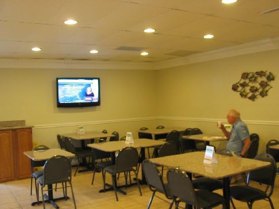 Quality Inn Airport : Lobby