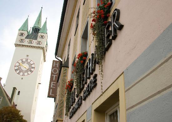 Straubing, Germany: Outside the hotel