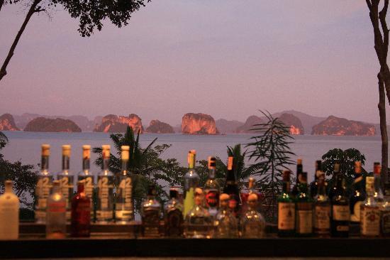 Six Senses Yao Noi : View over the bar at 'the Den'