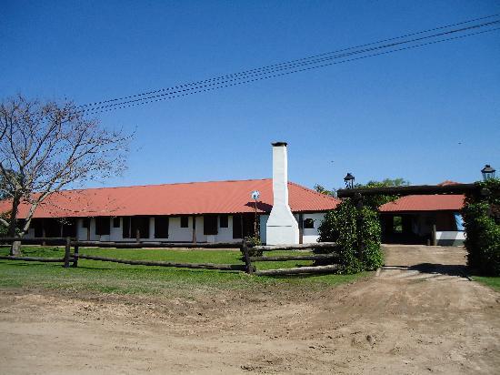 Colonia Carlos Pellegrini, Argentina: posada