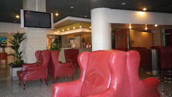 3k Barcelona Hotel: La hall
