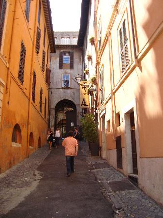 Relais Palazzo Taverna : street where hotel is located