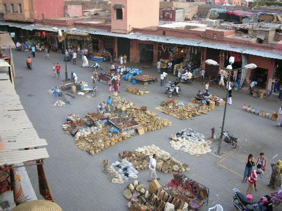 Ryad El Borj: la piazza