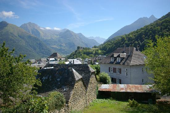 Les Rochers Hotel: Uitzicht vanuit de hotelkamer 3