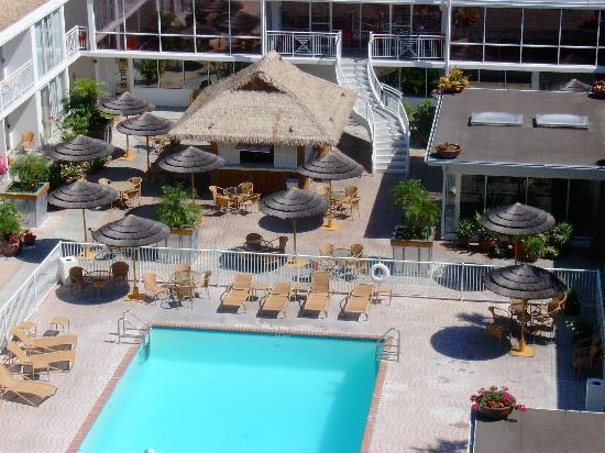 Pool View From Our Balcony Picture Of El Tropicano Riverwalk Hotel San Antonio Tripadvisor