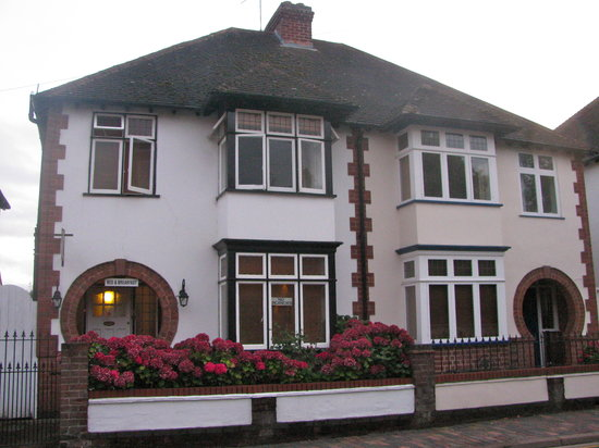 No 10 B and B: No. 10 Bed and Breakfast