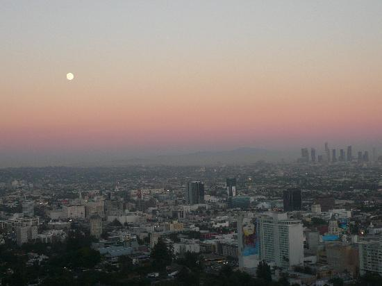 Orange Drive Hostel: pretty sunset view from runyon canyon.