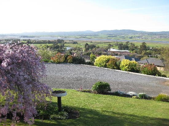 Trevallyn House B & B: The beautiful view to the Tamar River