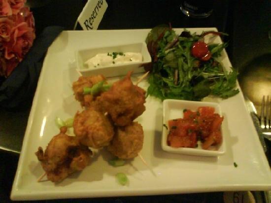 Blue Crush Bar & Diner: Thai fishcakes and mango salsa