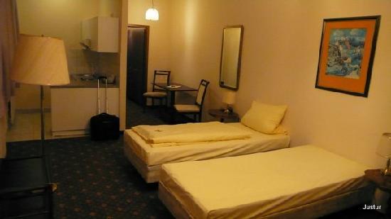 Hotel Maximilian: Nice room 1
