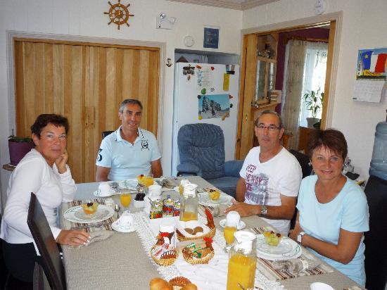 Gite De La Savoie: Petit déjeuner chez Rita