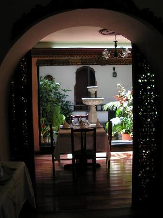 Un detalle del patio Popayanejo del restaurante del Hotel Camino Real