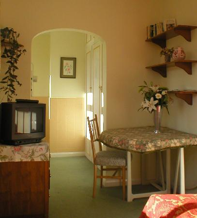 Marsh House: Our comfortable single room