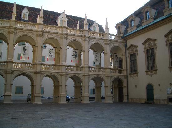 Graz, Østrig: Renaissance-Innenhof des Zeughauses