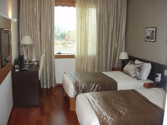 Tirana International Hotel & Conference Centre: double room