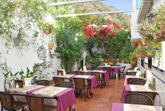 Aroma Cafe & Secret Garden: Our Lovely Andaluz Patio with Water Fountain