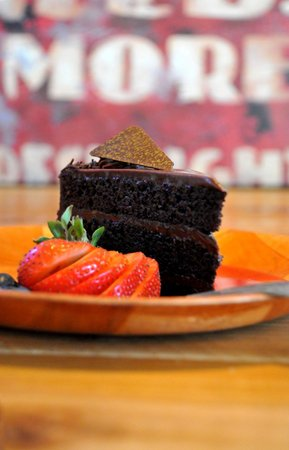 Greek Corner: Chocolate Cake