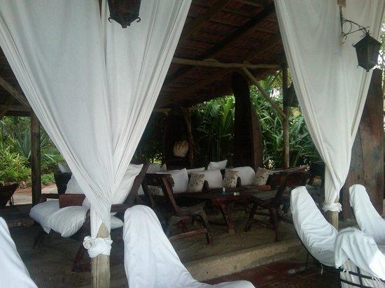 Mediterraneo Hotel & Restaurant: Sitting area