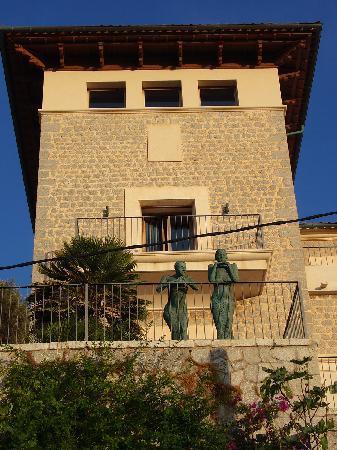 Soller, Spain: Touris?