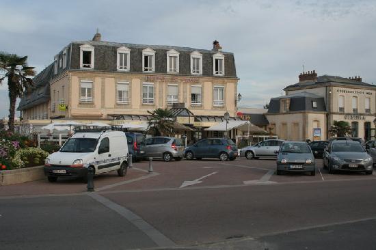 Courseulles-sur-Mer, Francia: Hotel de Paris