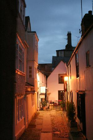 Bath Place Hotel: Bath Place Evening
