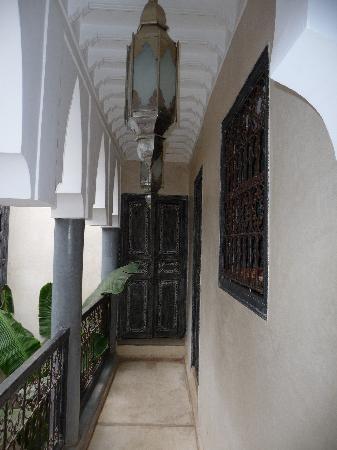 Riad Alamir: couloir des chambres