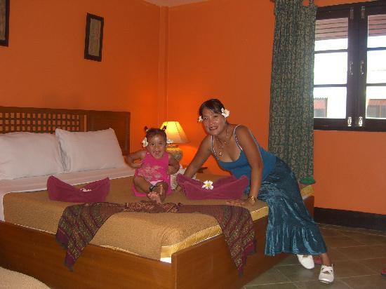 Samui Beach Apartments: Meine beiden Frauen