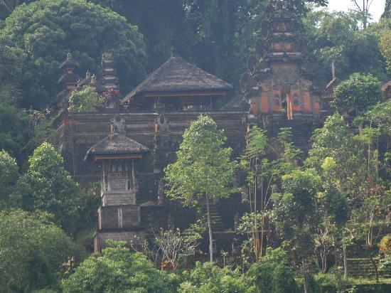Hanging Gardens of Bali: Temple across the valley from Ubud Hanging Gardens