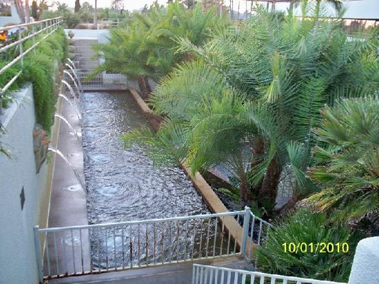 Hilton Orange County / Costa Mesa: Waterfall