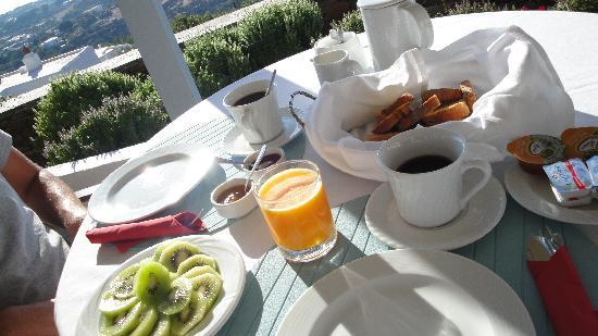 Apollonia, Greece: Petit déj